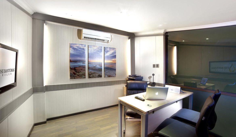 Executive SOHO Suites